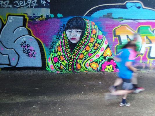 Girl in a Magic Shawl, Park Walk, Crouch End, London, 2016