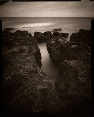 Ecume et langue de mer, Etretat Banc à Cuve, 2012 © Annick Maroussy Amy