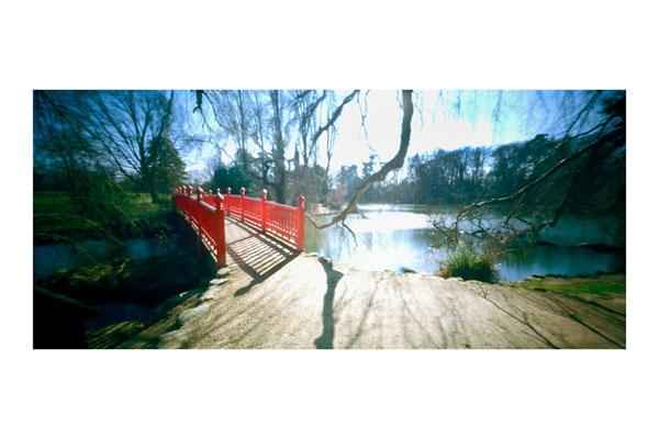 Parc Rothschild, Passerelle japonaise, 2009, © Annick Maroussy