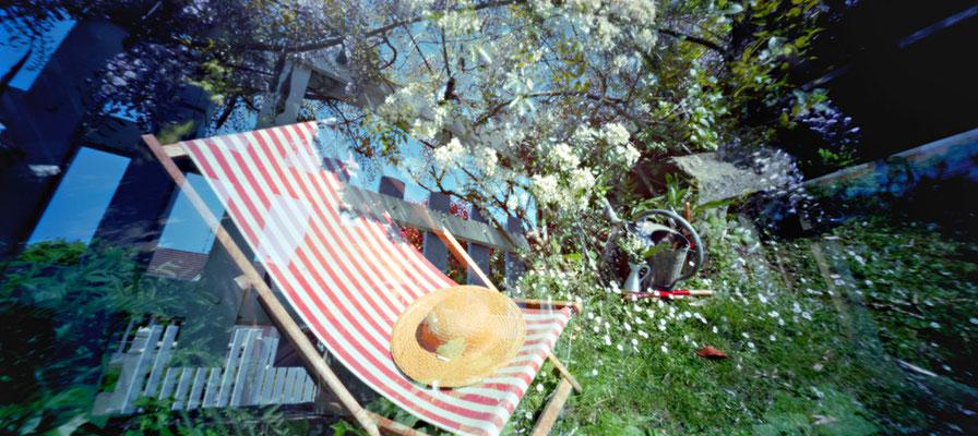 Au jardin, Fleurs du 1er mai, 2010, L88 cm x H47 cm, 1/30, © Annick Maroussy