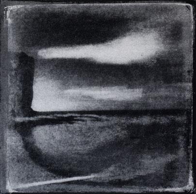 FÉCAMP - Les Grandes Dalles, Mirage, Monotype, tirage au charbon direct, bichromie, 2020. Format image 15x15cm sous passe-partout 30x30cm.  ©Annick Maroussy Amy