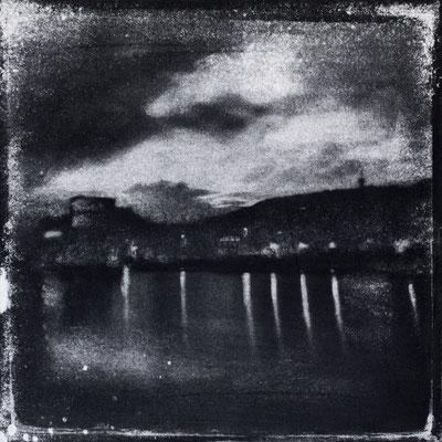 FÉCAMP - B : Bassin Bérigny, Monotype, tirage au charbon direct, bichromie, 2020. Format image 15x15cm sous passe-partout 30x30cm. ©Annick Maroussy Amy