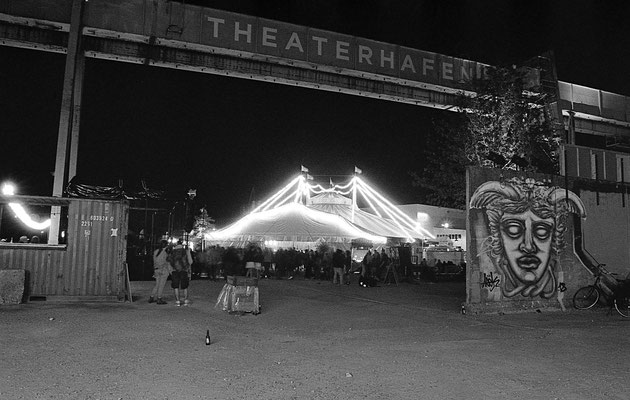 Nacht der 100 Lampinons am Theaterhafen III