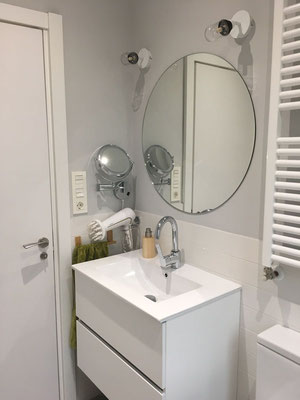 Baño reformado, detalle lavabo