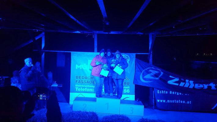 Siegerehrung Damen: 1. Claudia Ittmann   2. Simone Ittmann   3. Mary Mangold