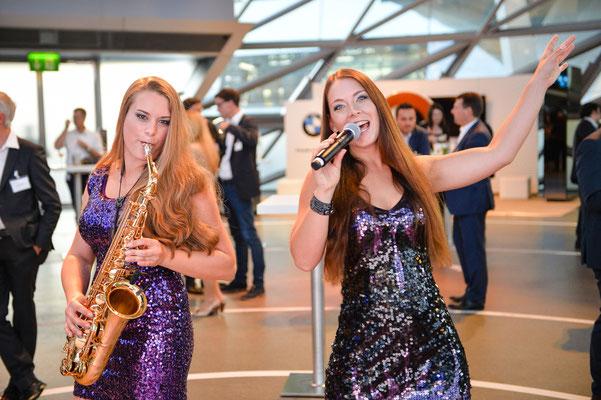Sängerin und Djane in der Schweiz