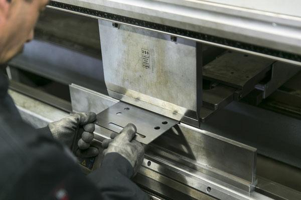 PLiage manuel et robotisé