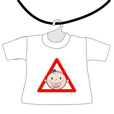 Mini maglietta da appendere al lunotto con bimbo a bordo da scrivere il nome