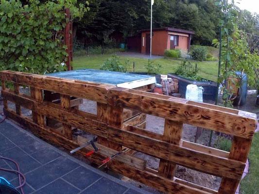 Zaun aus Europaletten bauen - Unser Kleingarten - ein ...