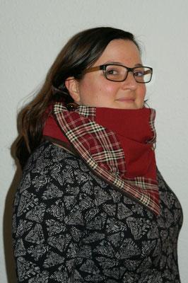 Kuschelschal von Hauptstadtmonster, KSW 14 bei Frau Käferin