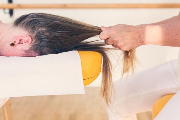 Ausstreichen der Haare