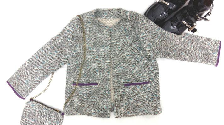 tweed Chanel con bolsito a juego