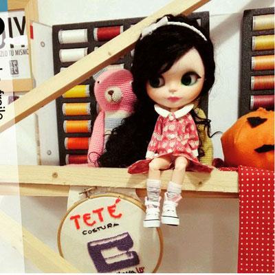 muñeca blythe con vestido confeccionado con nuestras telas japonesas