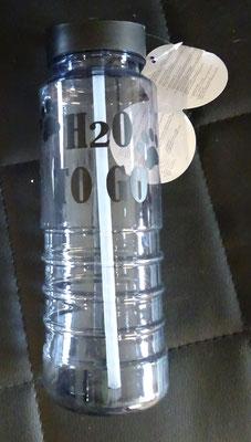 nr 15 : Drinkfles met tekst Hard plastic. 730 ml €5,00