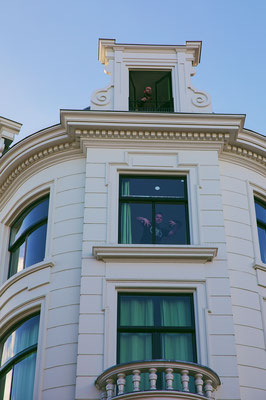 ' 3 different windows'