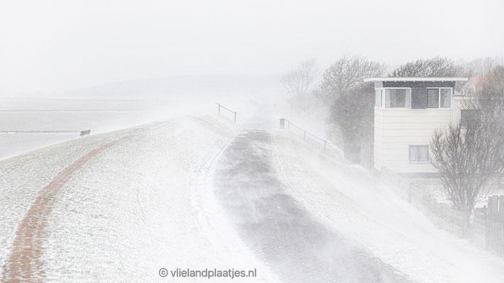 'Sneeuwstorm Waddendijk Vlieland 07.02.2021'