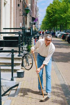 'sweeper'