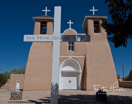 San Francisco de Assisi Mission Church in Taos
