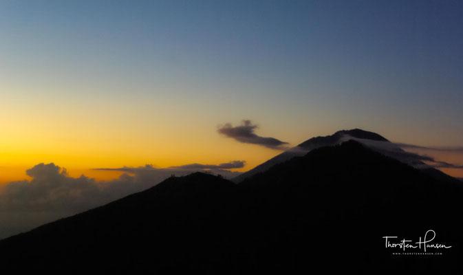 Der Mt. Batur (Gunung Batur) ist ein aktiver Vulkan, nordwestlich des Mt. Agung, Bali, Indonesien.