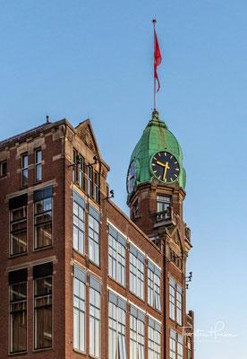 1993 wurde es von Dorine Vos, Hans Loos und Daan van der Have als Luxushotel direkt am Rheinufer eröffnet.