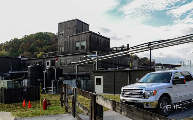 Sie führte das Unternehmen zusammen mit Shwab, dem die Cascade Distillery gehörte. Nach Augustas Tod übernahm der langjährige Geschäftspartner Shwab die alleinige Kontrolle über die Destillerie.