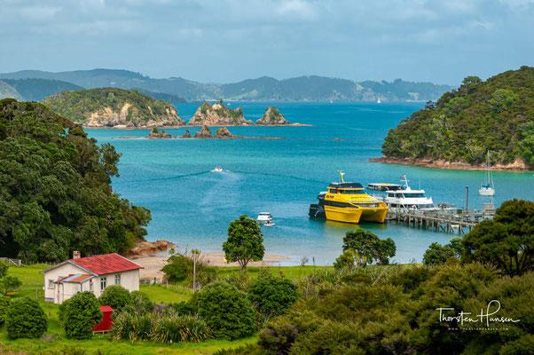 Urupukapuka Island ist eine Insel in der Bay of Islands in Neuseeland. Sie liegt etwa 7,3 km von Paihia entfernt.