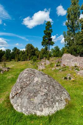 Das malerische Dörfchen Stensjö By, rund 10 Kilometer nördlich von Oskarshamn, ist ein äußerst wertvolles Stück schwedischer Kulturgeschichte.