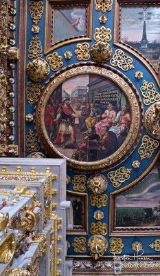 Interessant ist der Rote Saal von 1593 bis 1608 mit einer Decke von 25 Gemälden von Izaak van den Blocke, eingefasst in Schnitzereien von Abraham Hochreuter.