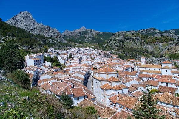 Blick über das weiße Dorf Grazalema