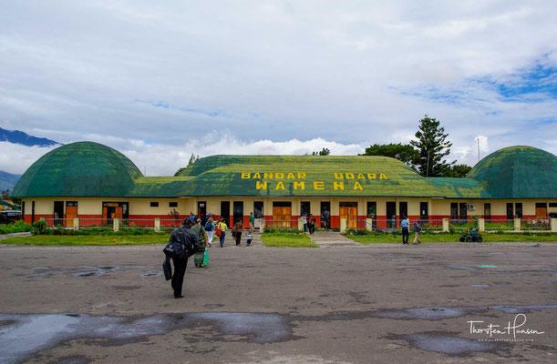Der Flughafen Wamena ist ein Regionalflughafen nahe der Stadt Wamena, der Hauptstadt des Regierungsbezirks Jayawijaya in der indonesischen Provinz Papua