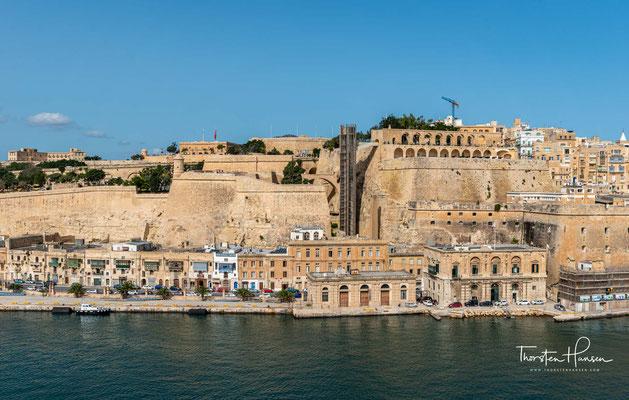 ...und obwohl er kurz vor der Fertigstellung starb, dient Valletta bis heute als Hauptstadt, selbst nachdem die Ordensritter 1798 kapitulierten und die Insel von Napoleon eingenommen wurde.