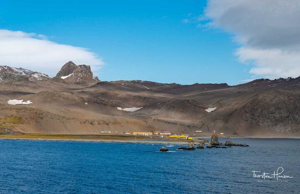 Die polnische Polarstation Henryk-Arctowski im südlichen Teil der King-George Insel in der Admiraltybucht