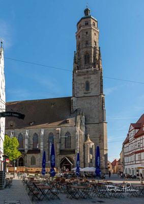 """So, G'sell, so"""" erschallt heute wie damals jeden Abend der Ruf des Türmers vom """"Daniel"""", dem Turm der spätgotischen Hallenkirche St.-Georg."""