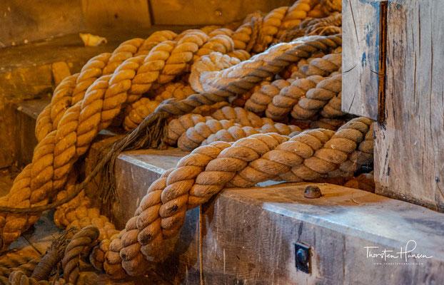 Die meisten Besatzungsmitglieder und Passagiere konnten sich auf kleine Inseln retten. Der Oberkaufmann, der Kapitän und einige ausgewählte Seeleute brachen anschließend in dem stärkeren der zwei Beiboote in das gut 1500 Meilen entfernte Batavia auf