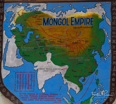 Ulaanbaatar liegt in 1350 Meter Höhe am Fluss Tuul und am Fuß des 2256 Meter hohen Berges Bogd Khan Uul.