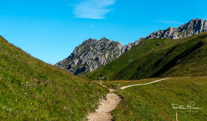 Der Naturpark Puez-Geisler wurde 1978 gegründet und reicht von Gröden bis in das Villnösstal und bis nach Alta Badia und umfasst 10.722 Hektar