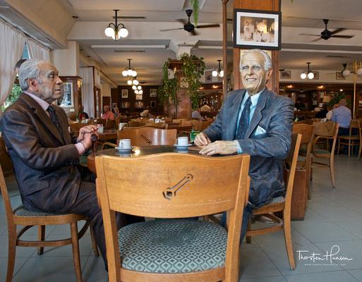 Café La Biela mit den Schriftstellern Jorge Luis Borges und Adolfo Bioy Casares