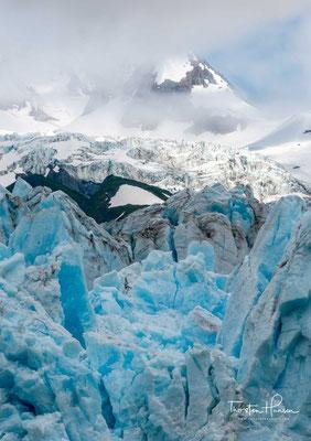 Die Orte Valdez und Chenega wurden durch den dem Beben folgenden Tsunami fast vollständig zerstört, ebenso die Häfen von Valdez und Cordova.