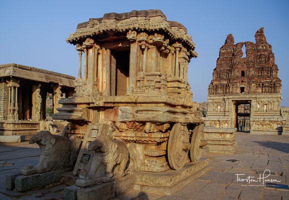 Der Haupttempel Viththala Devalaya ist Vishnu in seiner Form als Vittala gewidmet und sicher eines der großartigsten religiösen Monumente in Hampi.