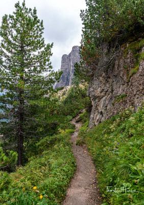 Die Große Cirspitze (ital.: Gran Cir) ist mit 2592 Metern die höchste Erhebung der Berggruppe. Der Gipfel der Großen Cirspitze wurde vermutlich schon früher von ladinischen Jägern erstiegen.