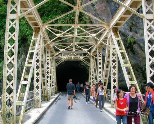 Atemberaubende Wasserfälle, Tunnel, Hängebrücken und sagenhafte Ausblicke machen die Taroko-Schlucht zu einem unvergesslichen Erlebnis.