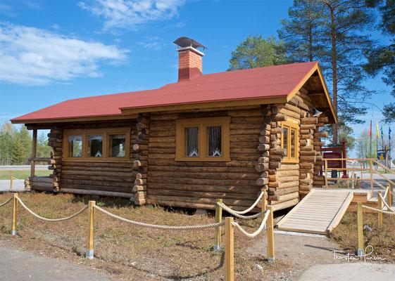 Die Alte Polarkreis-Hütte (aka Roosevelt Cottage) am Polarkreis in Rovaniemi in Lappland
