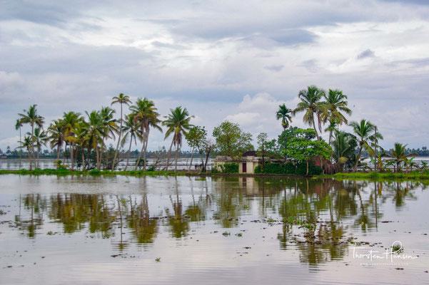 Die unter dem Meeresspiegel liegenden Nutzflächen müssen ständig entwässert werden.