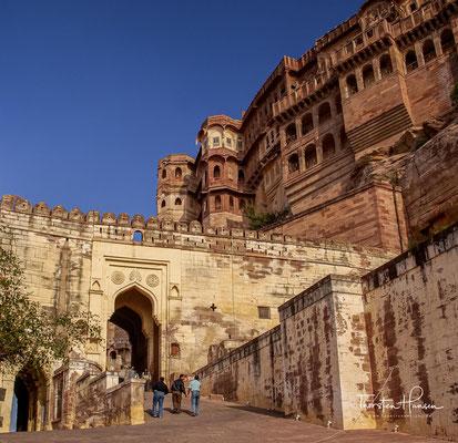 Meherangarh ist einer Festungsanlage in Jodhpur. Sie befindet sich auf einer Höhe von 123 Metern auf einem Einzelfelsen