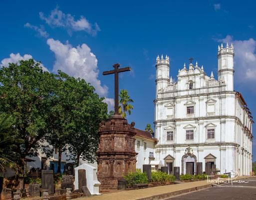 Die Igreja do Espírito Santo e Convento de São Francisco, ist ein ehemaliges Franziskanerkloster mit angeschlossener Klosterkirche zu Ehren von Franz von Assisi in der indischen Stadt Velha Goa. Die Anlage, in ihrer heutigen Form 1661 errichtet