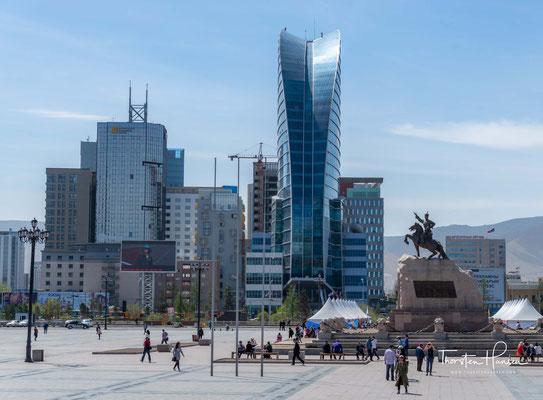 """Im Jahre 1921 erklärte """"der Held der Revolution"""", Damdin Sukhbaatar, im Zentrum von Ulan-Bator, die Unabhängigkeit der Mongolei."""