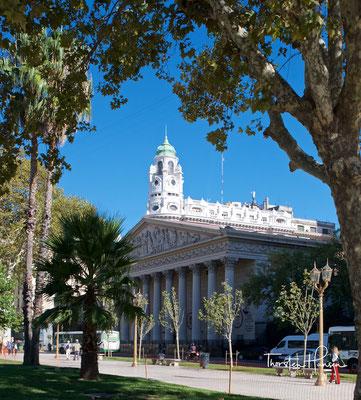 Die Catedral Metropolitana Santísima Trinidad de Buenos Aires ist die Hauptkirche der Katholiken und Mutterkirche des Erzbistums in der argentinischen Hauptstadt Buenos Aires.