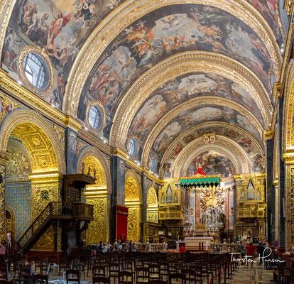 Sie wird als Ko-Kathedrale bezeichnet, da sie als zweiter Sitz des Erzbischofs von Malta neben der Kathedrale St. Paul in Mdina dient.