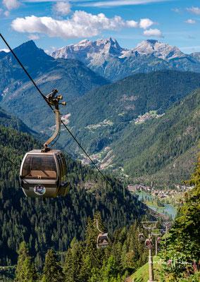Mit der Selbahn geht es in 10 Minuten hinauf zum 1922m hoch gelegenen Col dei Baldi