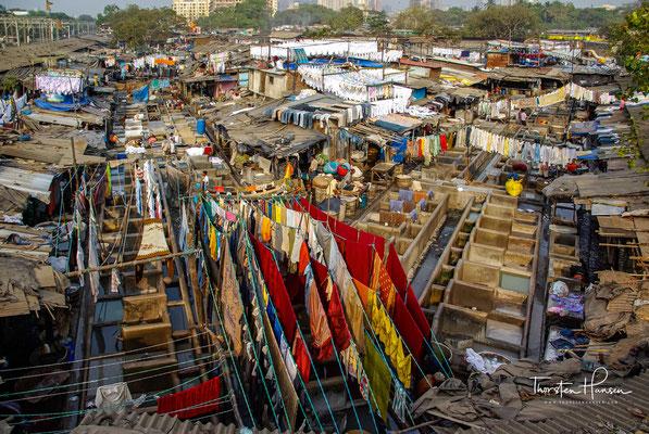 Im größten Waschsalon der Welt schuften tausende von Menschen. Nirgendwo sonst lernt man Mumbai besser verstehen als auf dem zentralen Waschplatz Dhobi Ghat.